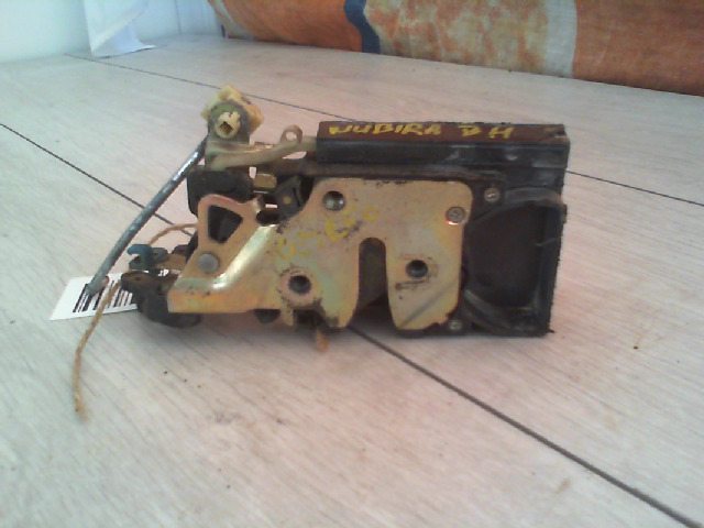 DAEWOO NUBIRA 99-03 Bal hátsó ajtózár központi záras kombi bontott alkatrész
