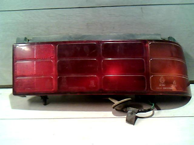 SUZUKI SWIFT 89-96 Hátsó lámpa jobb bontott alkatrész