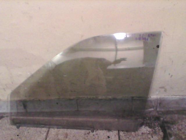 SUZUKI SWIFT 89-96 Lejáró üveg bal első 5 ajtós (fóliázva) bontott alkatrész