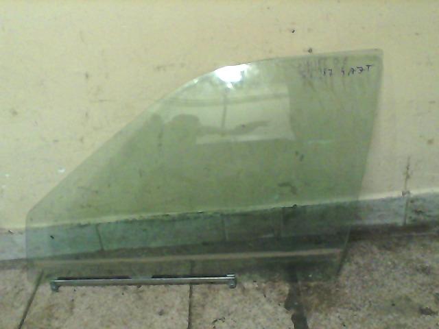 SUZUKI SWIFT 89-96 Lejáró üveg bal első 4 ajtós (zöld) bontott alkatrész