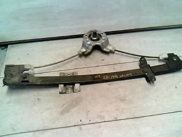 SUZUKI SWIFT 89-96 Ablakemelő szerkezet jobb hátsó mechanikus (4 ajtós) bontott alkatrész