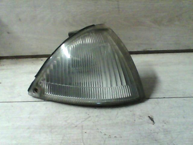 SUZUKI SWIFT 89-96 Helyzetjelző lámpa jobb bontott alkatrész