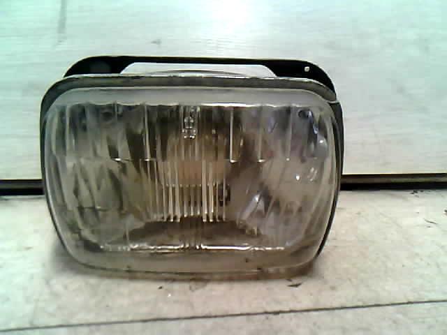 ZASTAVA 1100 Fényszóró bal mechanikus állítású bontott alkatrész