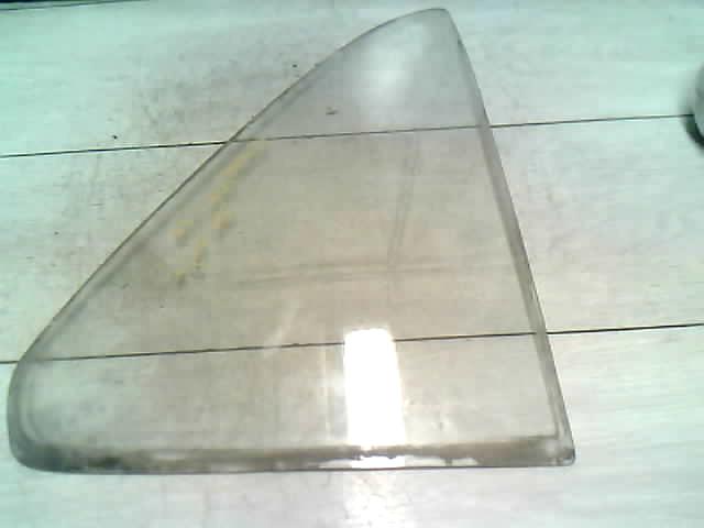 SUZUKI SWIFT 89-96 Ajtó háromszög üveg jobb hátsó (fehér) 4 ajtós bontott alkatrész