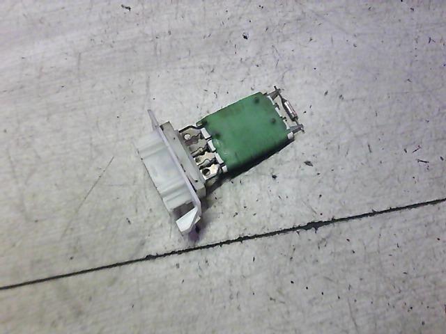 DACIA LOGAN 04.11-08.06 Fűtőmotor előtét ellenállás bontott alkatrész