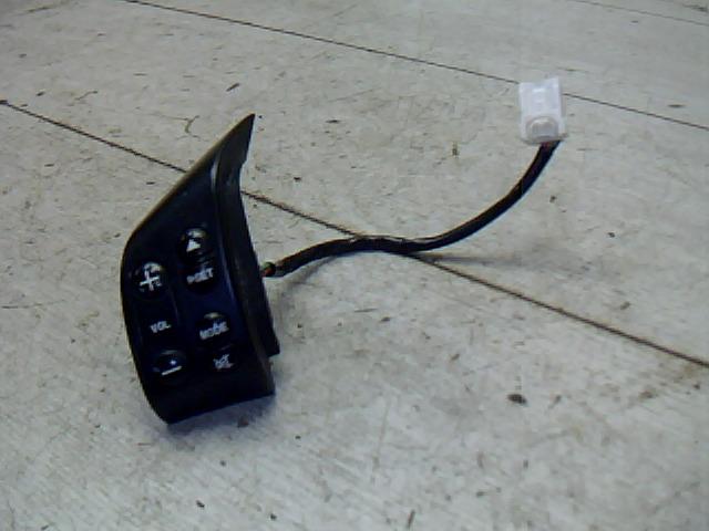 MAZDA 2 03.04-07.11 Rádióvezérlő kapcsoló kormányoszlopra bontott alkatrész
