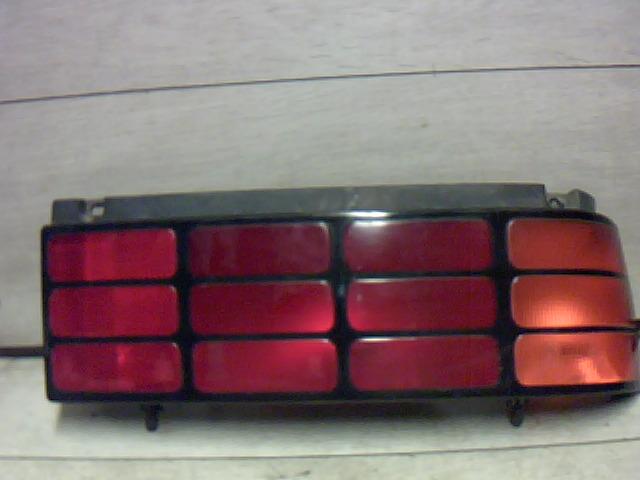 SUZUKI SWIFT 89-96 Jobb hátsó lámpa (5 ajtós) bontott alkatrész