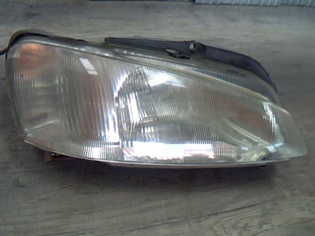 PEUGEOT 106 96- Jobb első fényszóró bontott alkatrész