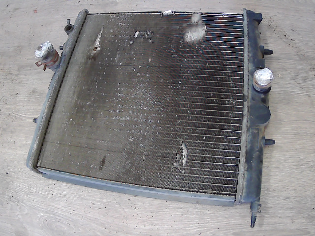 PEUGEOT 206 Vízhűtő. bontott alkatrész
