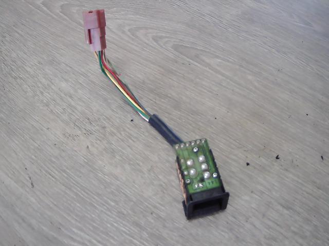 SUZUKI SWIFT 96-05 Ablakmosó kapcsoló bontott alkatrész