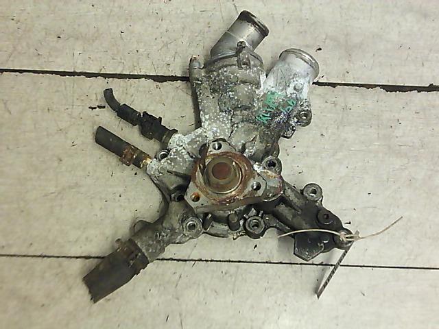 OPEL CORSA C 00-06 Vízpumpa bontott alkatrész