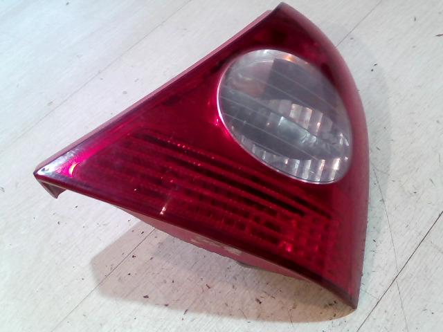 RENAULT CLIO 01-06 Jobb hátsó lámpa bontott alkatrész