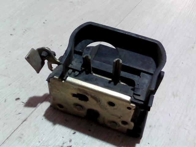 FIAT PUNTO I. Jobb első ajtó zárszerkezet bontott alkatrész