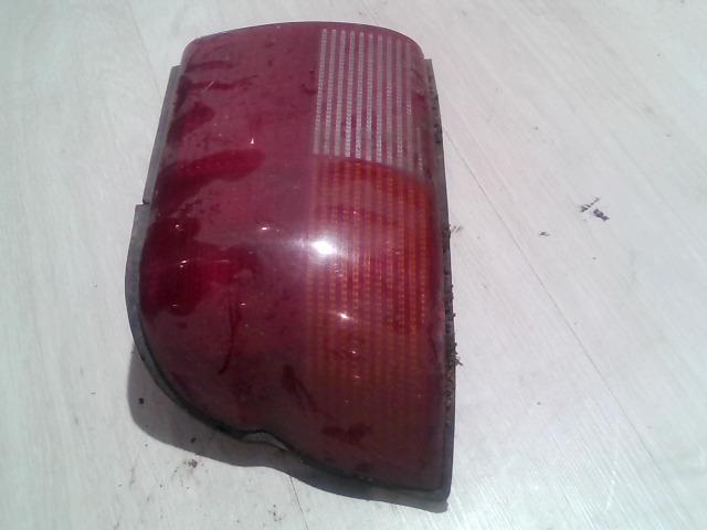 FORD ESCORT 95- Bal külső hátsó lámpa bontott alkatrész