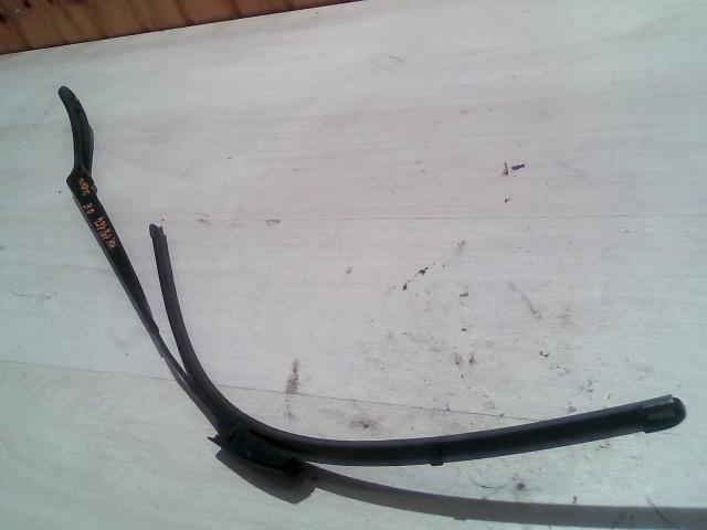 RENAULT SCENIC 03-06 Bal első ablaktörlő kar bontott alkatrész