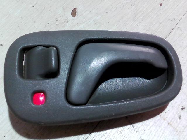 SUZUKI SWIFT 96-05 Jobb első belső ajtónyitó bontott alkatrész