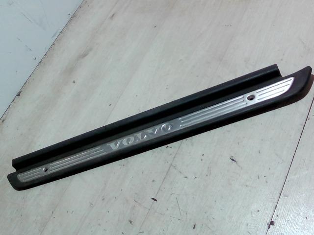 VOLVO S40 Küszöb díszléc bontott alkatrész
