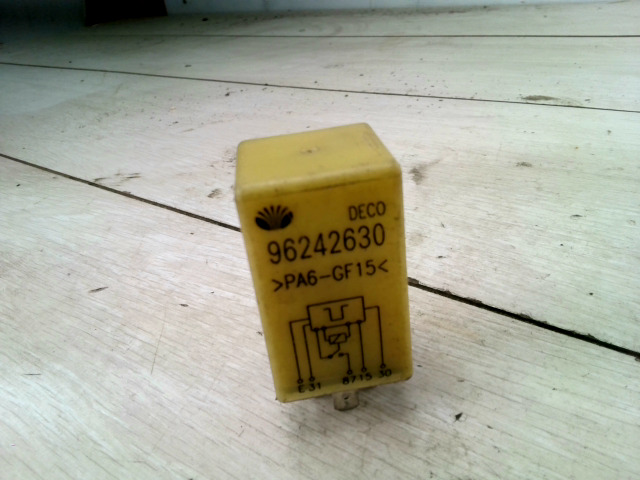 DAEWOO LANOS 01- Relé  sárga színű bontott alkatrész