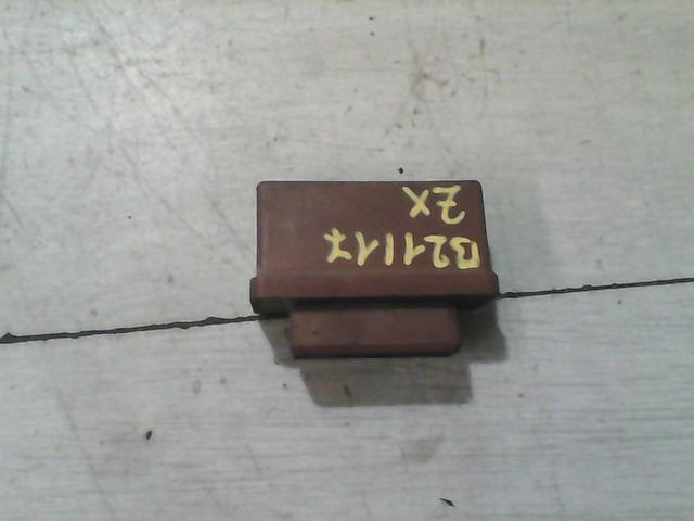 CITROEN ZX üzemanyag szivattyú relé bontott alkatrész