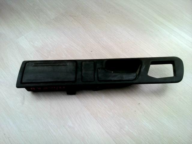 BMW E34 87-96 Bal hátsó belső kilincs bontott alkatrész