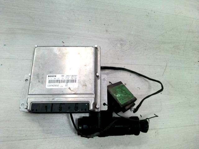 ALFA ROMEO 156 97-03 Gyújtáskapcsoló kulccsal, immo, motorvezérlő elektronika bontott alkatrész