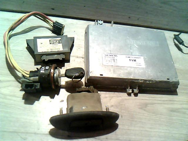 RENAULT MEGANE 95-99 Gyújtáskapcsoló motorvezérlővel indításgátlós bontott alkatrész