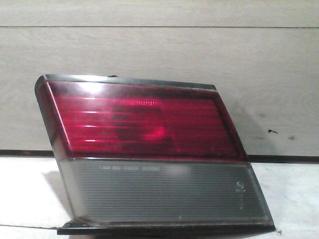 NISSAN ALMERA 96-98 Bal hátsó lámpa bontott alkatrész