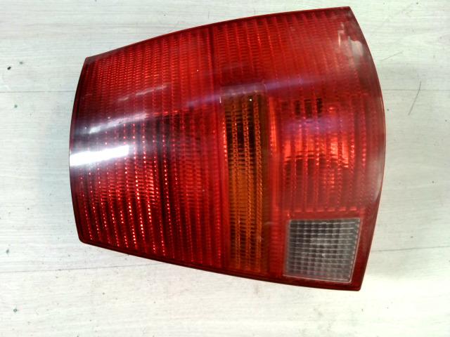 VW GOLF IV. Jobb hátsó lámpa bontott alkatrész