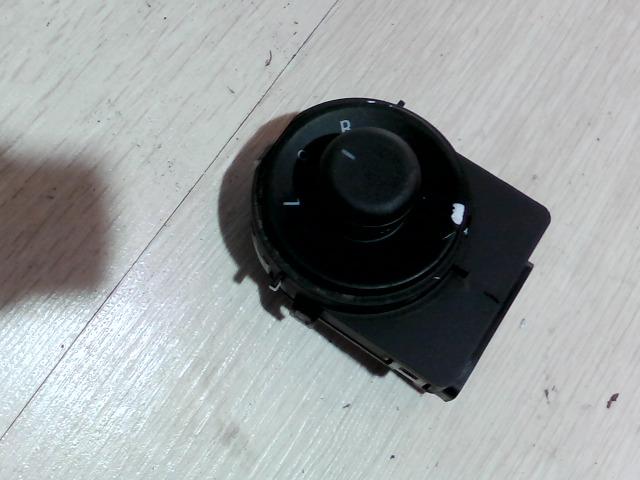 OPEL Astra J/1 2009.09.01-2012.08.31 Elektromos tükör állító kapcsoló bontott alkatrész