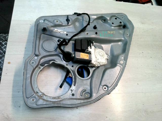 VW GOLF IV. Jobb hátsó elektromos ablakemelő szerkezet bontott alkatrész