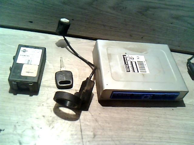 NISSAN ALMERA 96-98 Motorvezérlő immos gyújtáskapcsoló nélkül bontott alkatrész