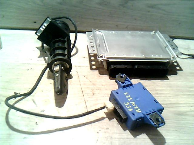156 97-03 Bontott Gyújtáskapcsoló motorvezérlővel indításgátlós Alkatrész