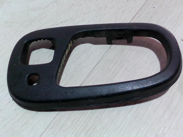 SUZUKI SWIFT 96-05 Jobb hátsó belső ajtónyitó keret bontott alkatrész