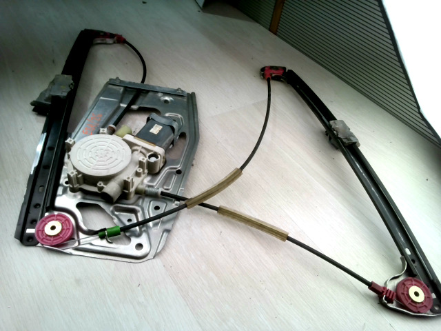 BMW E39 95-03 Jobb első ablakemelő szerkezet elektromos bontott alkatrész