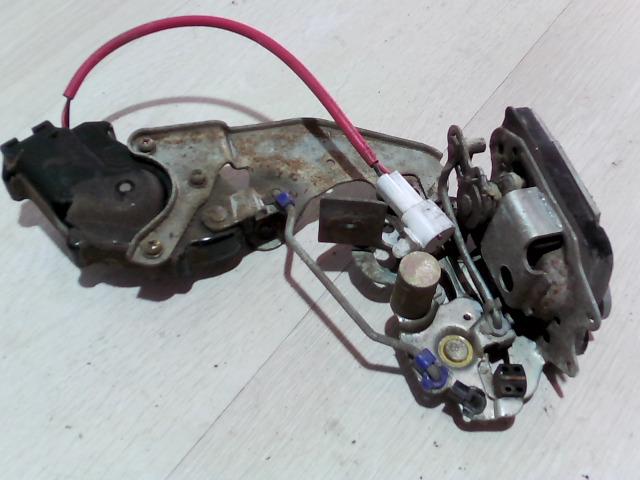 SWIFT 96-05 Bontott Jobb hátsó ajtó zárszerkezet Alkatrész