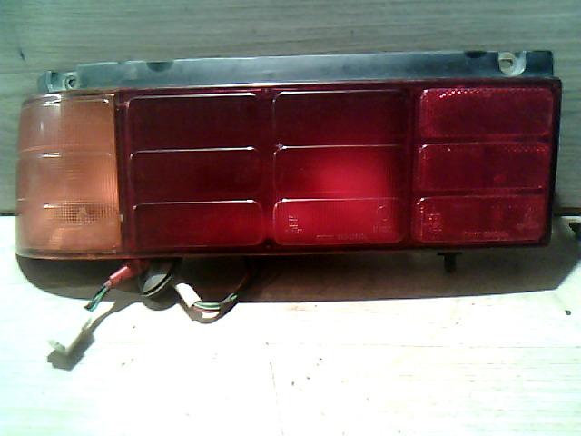 SUZUKI SWIFT 89-96 Bal hátsó lámpa bontott alkatrész