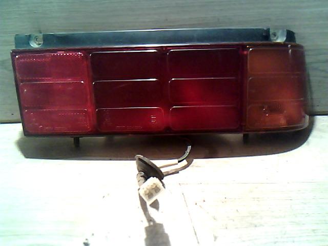 SUZUKI SWIFT 89-96 Jobb hátsó lámpa bontott alkatrész