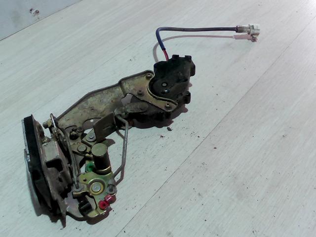 SUZUKI SWIFT 96-05 Bal hátsó ajtó zárszerkezet bontott alkatrész