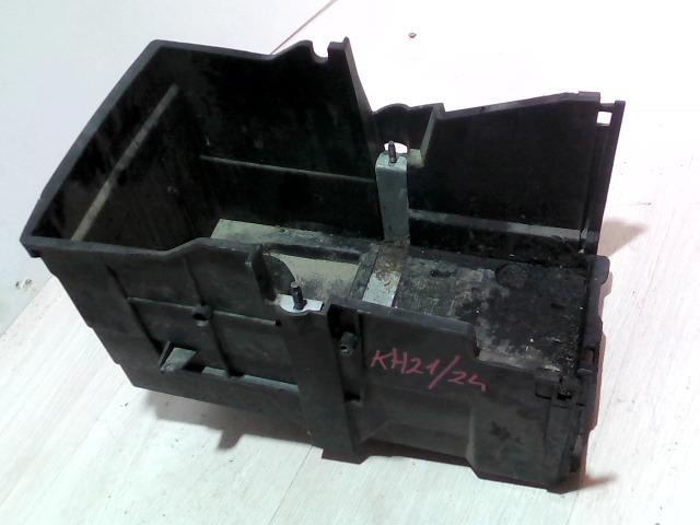 FORD FOCUS 04- Akkumulátor tartó bontott alkatrész