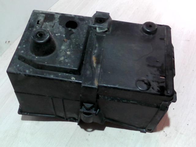 FOCUS 04- Bontott Akkumulátor tartó Alkatrész