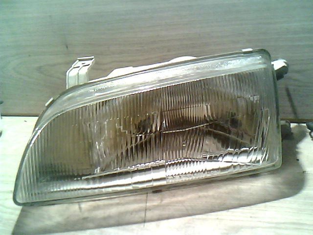 SUZUKI SWIFT 89-96 Bal fényszóró bontott alkatrész