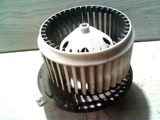 156 97-03 Bontott Fűtőmotor Alkatrész