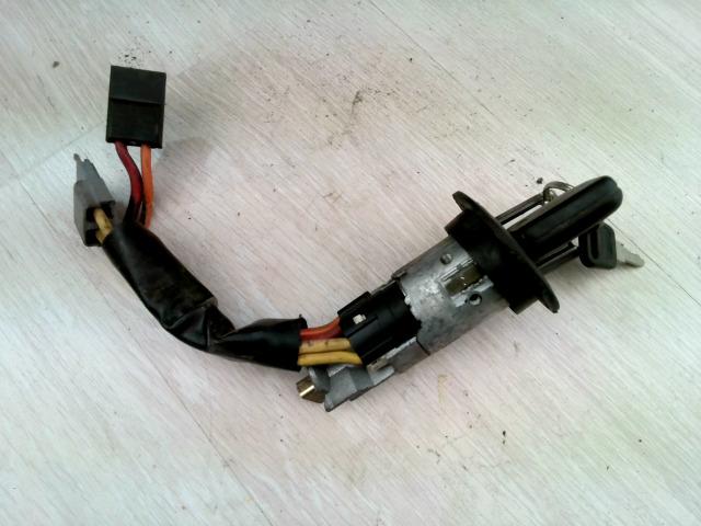 CLIO 90-96 Bontott Gyújtáskapcsoló elektromos Alkatrész