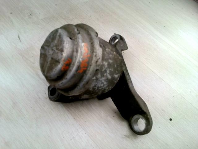 Mondeo 07.04.01-14.12.31 Bontott Motortartó gumibak jobb Alkatrész
