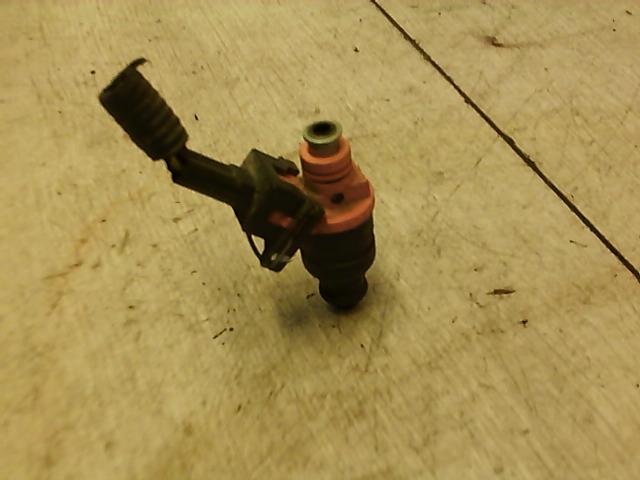 CHEVROLET AVEO T250/255 06.01-11.12 Befecskendező szelep bontott alkatrész