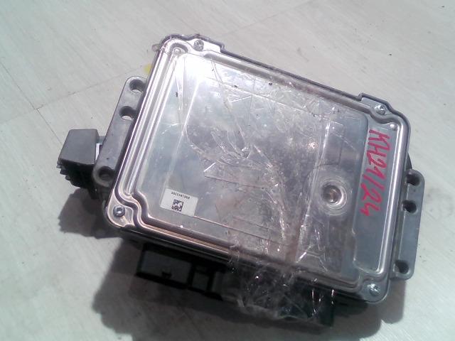 FOCUS 04- Bontott Motorvezérlő egység+gyújtáskapcsoló+immo+1db kulcs Alkatrész