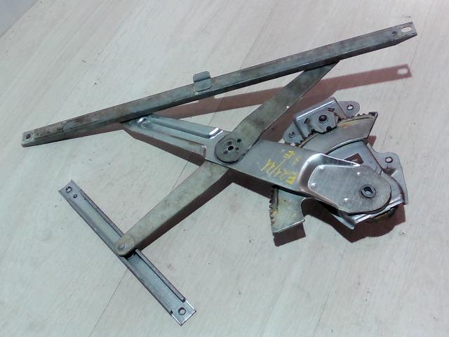 SUZUKI SWIFT 96-05 Jobb első ablakemelő szerkezet bontott alkatrész