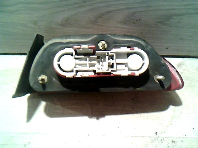 156 97-03 Bontott Bal hátsó külső lámpa Alkatrész