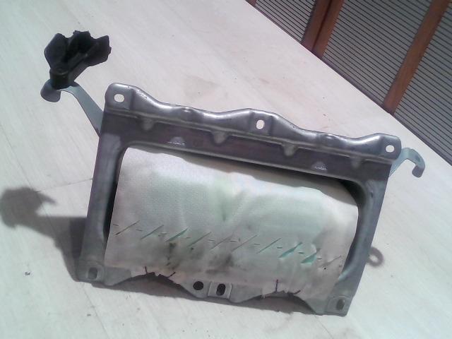 FORD FOCUS 04- Utasoldali műszerfal légzsák bontott alkatrész