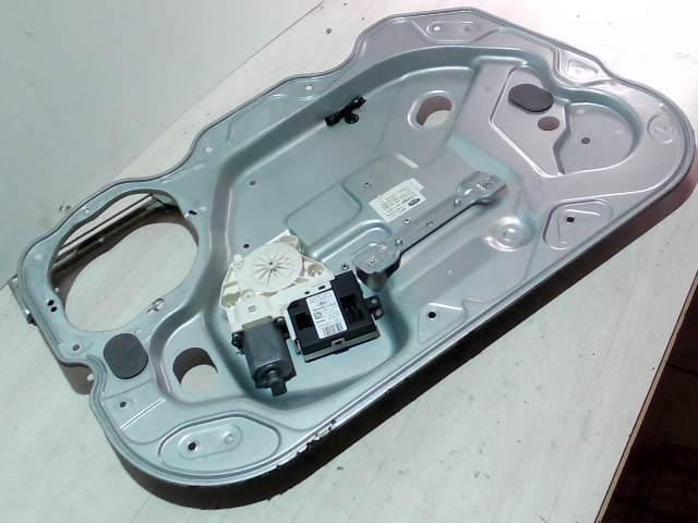 FORD FOCUS 04- Bal első ablakemelő szerkezet bontott alkatrész